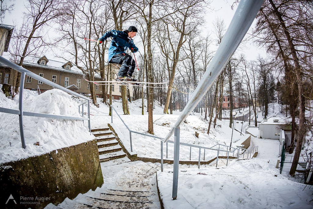 _M3_6098-candide 1.0, drop to rail, escaliers, estonia, estonie, freeski, freestyle, handrail, rail, ski, skiing, stairs, street, tartu, tom granier, urbain