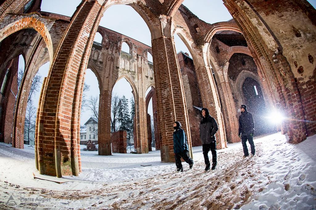 _M3_6225-church, dan hanka, eglise, estonia, estonie, freeski, freestyle, ski, skiing, street, tartu, tim mc chesney, urbain